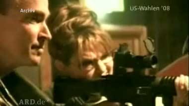 Sarah Palin am Schießstand mit Gewehr in der Hand